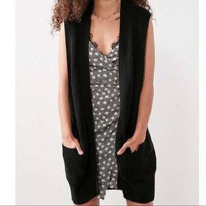 BDG by URBAN OUTFITTERS SLEEVELESS CARDIGAN VEST
